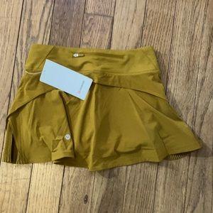 NWT  Lululemon Play Off Pleats Skirt Gold Spice 4